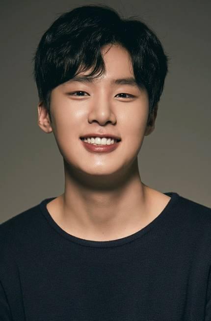 Kim Dong Hee